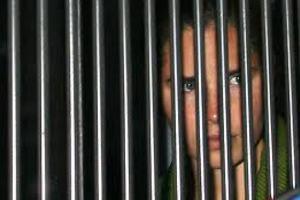 Δηλώνει αθώα για τη δολοφονία της συντρόφου της